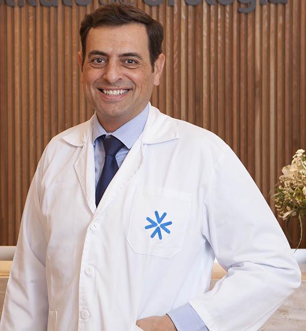 Dr. Carlos Balmori